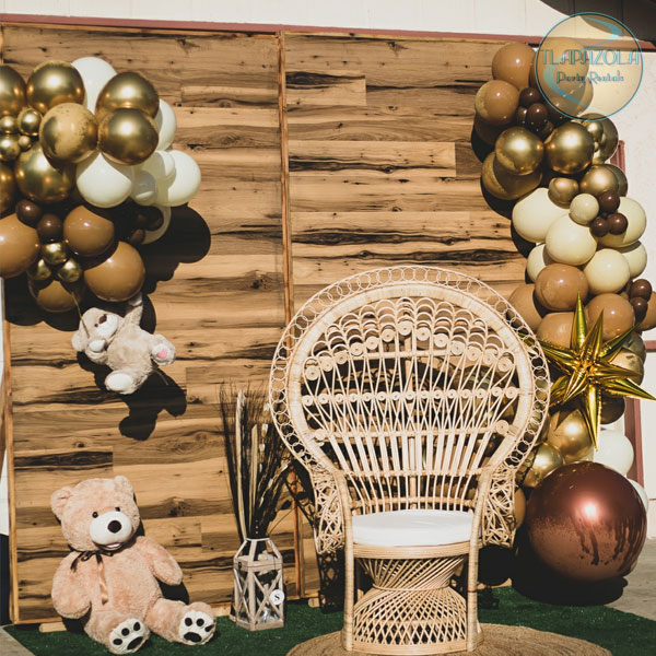 Two 4 feet wooden wall rental from Tlapazola Party Rentals in Gardena